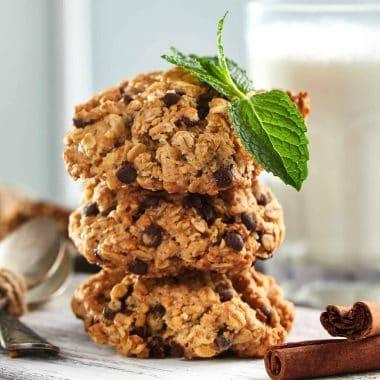 banana chocolate oatmeal cookie